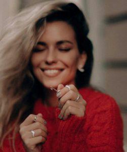 عکس پروفایل عاشقانه یه لبخند میتونه خیلى از حس